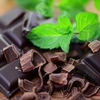 Темный шоколад: польза и вред, состав, калорийность, цена, рецепт, виды темного  шоколада, чем отличается темный шоколад от горького, темный шоколад при  диете и похудении, ганаш из темного шоколада, как приготовить темный шоколад
