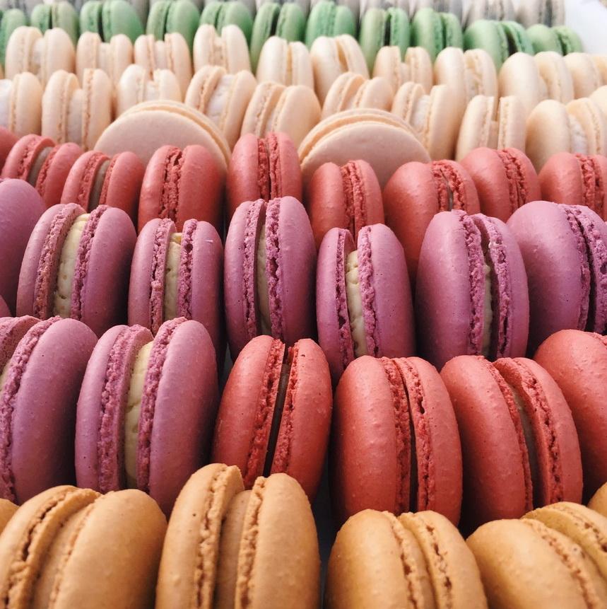картинки как выглядят печеньки макарон обычный эклеров это